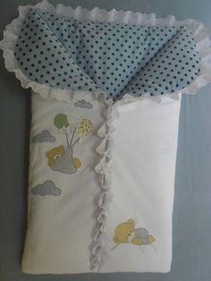 Saco de dormir-saída de maternidade. Feito em piquet e tricoline, com aplicação feita a mão e fechado com zíper. Pode ser feito em outras cores e com outras aplicações.    Medidas aproximadas: 76 cm X 41 cm