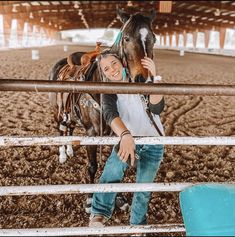 Horses And Dogs, Cute Horses, Pretty Horses, Horse Love, Beautiful Horses, Foto Cowgirl, Cowgirl And Horse, Horse Girl, Horse Photos