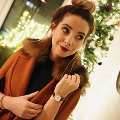 My Christmas party get up! If you're stuck for a lovely Christmas gift you should check out @danielwellington watches! I own a few and I love them I have a 15% discount code for you if you want to head on over to their website www.danielwellington.com and enter the code ZOELLA and voila! #ad ❤️