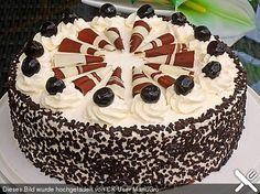 Mon Cheri - Torte, ein leckeres Rezept aus der Kategorie Torten. Bewertungen: 29. Durchschnitt: Ø 4,7.