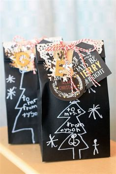 Diy christmas gift bags for teacher by mambi design team member april orr Inexpensive Christmas Gifts, Creative Christmas Gifts, Neighbor Christmas Gifts, Family Christmas Gifts, Christmas Gift Baskets, Merry Christmas, Christmas Gift Exchange, Christmas Giveaways, Diy Weihnachten