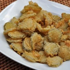 Hooters fried pickles recipe -- plus a ton of other copycat recipes. Finger Food Appetizers, Appetizer Recipes, Snack Recipes, Cooking Recipes, Finger Foods, Holiday Appetizers, Yummy Recipes, Salad Recipes, Cake Recipes