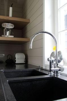 Little rim around the sink White Cupboards, Stone Bench, Modern Classic, Home Kitchens, Sink, Boathouse, Wood, Home Decor, Little Cottages