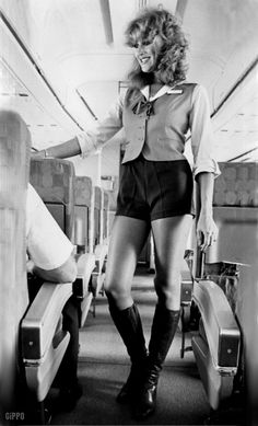 Hot Pants 1970 • Short shorts girls years 70s vintage fashion pictures