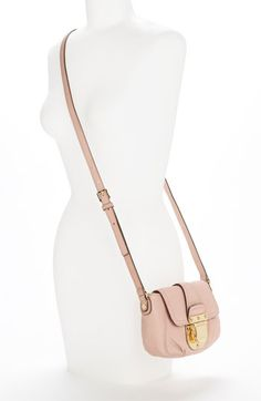 Love this crossbody purse!