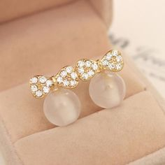 Fashion Elegant and Charming Round Rhinestone Pearl Crystal Butterfly Bow Stud Earrings for Women Girls Wedding Jewelry