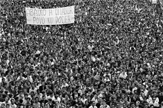 Evandro Teixeira: Foto da Passeata dos 100 Mil, foi proibida de ser publicado na primeira página do JB os Miliateres q vivia dentro da Redação, olhava toPasseata-dos-100-Mil.-foto-proibida-no-JB-no-dia-do-ato.-1968