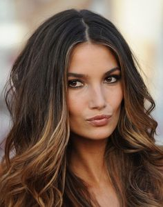 Beautiful Brunette with caramel highlights via La Dolce Vita. I really want to go dark with my hair this Fall.