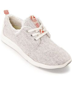 TOMS || Add a comfortable, casual and positive style to your wardrobe with the Del Rey shoes for women from Toms. This design has a heathered cream upper made of wool and finished with a soft cream shearling lining for comfort.