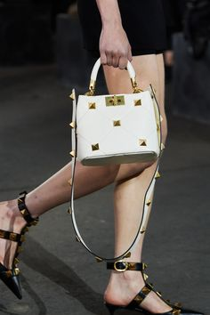 Valentino Spring 2021 Ready-to-Wear collection, runway looks, beauty, models, and reviews. Studded Bag, Studded Leather, Leather Bag, Valentino Bags, Valentino Garavani, Fashion Bags, High Fashion, Fashion Show, Women's Fashion