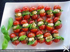 Tomaten-Mozarella-Sieße