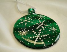 Green Round Fused Glass Christmas Ornament reminds me of my Tarlow easy round ornament. mine could use more paint on some Glass Christmas Decorations, Stained Glass Christmas, Christmas Ornaments To Make, Glass Christmas Ornaments, How To Make Ornaments, Glitter Ornaments, Handmade Ornaments, Felt Christmas, Homemade Christmas