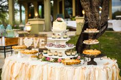 Sweet Treats and the Wedding Cake Austin Wedding Photography; Mike Reed Photo