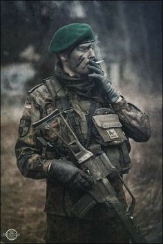 Military equipment, military look. Military Gear, Military Police, Military Weapons, Military Equipment, Indian Army Special Forces, Special Forces Gear, Army Couple Pictures, Indian Army Wallpapers, Marine Commandos