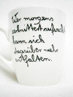 Becher & Tassen - Tasse : Wer morgens zerknittert aufwacht... - ein Designerstück von Hoch-Die-Tassen bei DaWanda