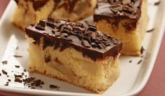 Luscious layers of Pumpkin-Chocolate Cheesecake Bars. I can't wait for everything pumpkin this fall! Just Desserts, Delicious Desserts, Dessert Recipes, Yummy Food, Eat Dessert First, Dessert Bars, Pumpkin Chocolate Cheesecake, Chocolate Cake, Yummy Treats