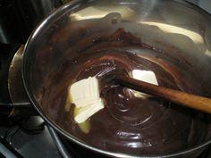 Kysnutý pudingový koláč (fotorecept) - recept   Varecha.sk Chocolate Fondue, Desserts, Food, Tailgate Desserts, Deserts, Essen, Postres, Meals, Dessert