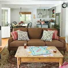 Cottage Living Room - Cottage Style Ideas and Inspiration . Cottage living room Living Room Decorating Ideas : Decorate With Cottage St. Cottage Living Rooms, My Living Room, Living Area, Living Room Furniture, Living Room Decor, Living Spaces, Living Room Kitchen, Kitchen Dining, Cozy Living