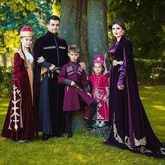 Keeping up with the Nakhushevs!  Amazing Circassian family of famous singer Nakhush (Ныхъущ, Нахъужъ) Cherim in traditional Circassian costume, Geleneksel kıyafetleri ile ünlü şarkıcı Nahuş Çerim'in muhteşem Çerkes ailesi