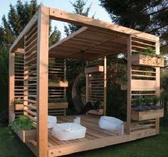 garden cabana | how cozy :) looks like another pallet project