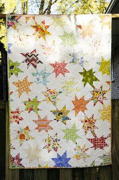 Interlocking wonky stars quilt, love how the stars are asymmetrical