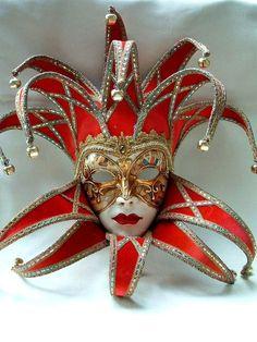 Jolly Curlie Top/Bottom Red Velvet - Handmade Venetian Masks from Venice, Italy - 1001 Venetian Masks Carnival Of Venice, Carnival Masks, Costume Venitien, Venice Mask, Mask Tattoo, Beautiful Mask, Venetian Masks, Mask Design, Red Velvet