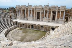 The_Roman_theatre,_built_in_the_2nd_century_AD_under_Hadrian_on_the_ruins_of_an_earlier_theatre,_later_renovated_under_Septimius_Severus,_Hierapolis,_Turkey_(17163256766).jpg (4866×3227)