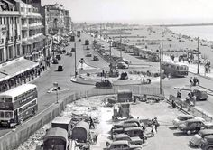 Old Photo Archive - Hastings UK Photo Archive at Hastings & St Leonards Guide Hastings Seafront, Hastings East Sussex, Uk Photos, Photo Archive, British Isles, Old Pictures, Vintage Photos, Paris Skyline, Coast