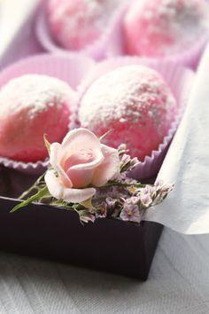 Rose water scented truffles http://en.petitchef.com/recipes/la-vie-en-rose-rose-water-scented-truffles-fid-529632