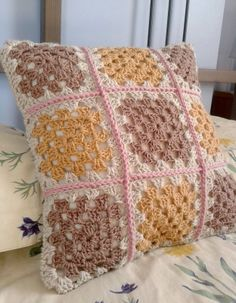 hoppingStill: Crochet cushion cover backed with fabric - a mini-tutorial - This is just what ive been looking for, thank you