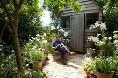 monty don longmeadow garden Back Gardens, Small Gardens, Outdoor Gardens, Monty Don Longmeadow, Longmeadow Garden, Fresco, White Gardens, Herefordshire, Dream Garden