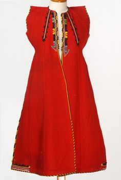 Greek woman's sleeveless overcoat, from Thrace. First half of century. Part of a festive costume. (Source: Lyceum Club of Greek women, Athens). Greek Traditional Dress, Traditional Outfits, Costumes For Women, Greek Costumes, Folk Costume, Ethnic Fashion, Shawls And Wraps, Dance Dresses, Fashion Details