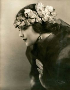 ↢ Bygone Beauties ↣ vintage photograph of Jetta Goudal, silent film actress
