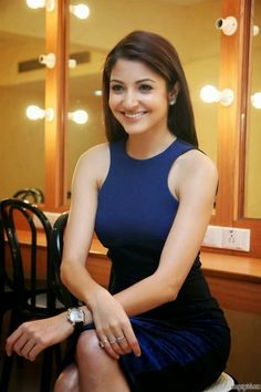Bollywood Actress Anushka Sharma Latest Glamorous Photo In Saree Anushka was gifted with natural charm and attraction that made her desperate to move in the Indian Bollywood Actress, Beautiful Bollywood Actress, Beautiful Indian Actress, Bollywood Fashion, Indian Actresses, Indian Celebrities, Bollywood Celebrities, Anushka Sharma Bikini, Anushka Sharma And Virat