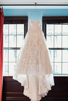 + Must-Have Wedding Photos (Ideas Gallery And Tips) ❤︎ Wedding planning ideas & inspiration. Wedding dresses, decor, and lots more. Wedding Picture Poses, Wedding Poses, Wedding Dresses, Wedding Pictures, Party Dresses, Lace Weddings, Destination Weddings, Country Weddings, Unique Weddings