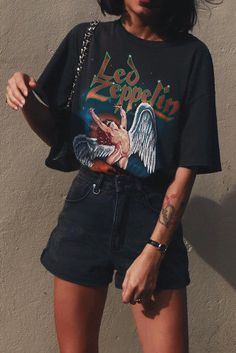 outfit December 10 2019 at fashion-inspo Grunge Fashion, Look Fashion, 90s Fashion, Fashion Outfits, Womens Fashion, Fashion Trends, Trendy Fashion, Girl Fashion, Fashion Music
