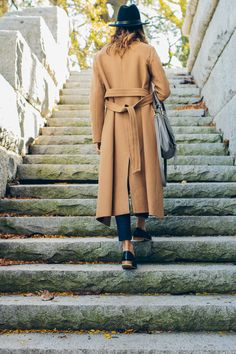 fall outfit, camel coat, felt hat, chic loafers —via @TheFoxandShe