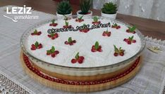 Gorgeous Bridal Cake Recipe - My Delicious Food - Gorgeous Bride Cake Tgelın cake recipe Turkish Recipes, Italian Recipes, Italian Foods, Italian Chicken Dishes, Brides Cake, Cheesecake Recipes, Cheesecakes, Iftar, Food Cakes