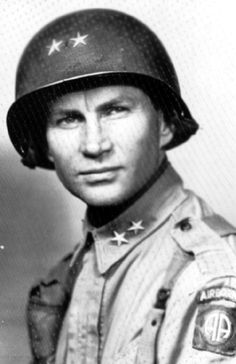 James M Gavin, as a Major General. When he was a Brigadier he commanded the Airborne, and jumped into Holland during Operation Market Garden. Operation Market Garden, Etat Major, 82nd Airborne Division, Major General, Irish American, Paratrooper, United States Army, American Soldiers, Thing 1