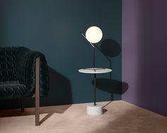 Me gustaria que sea un photoshoot minimalista, escogiendo una paleta de colores que vaya con los muebles. Con uso de la forma geometrica y sombra, en el ambiente.