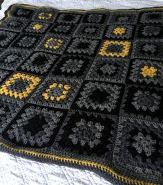 Couverture de jet gris moutarde noire grand-mère carré au Crochet