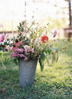 wildflower ceremony aisle marker | Ali Harper #wedding