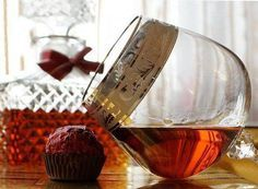 How to make homemade brandy Most Delicious Recipe, Yummy Food, Tasty, Easy Salad Recipes, Cook At Home, How To Make Homemade, Organic Recipes, Daily Meals, Alcoholic Drinks