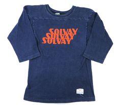 "80's トリコタグ チャンピオン ""SOLVAY"" 3連ロゴ! フットボールTシャツ 表記(S) Vintage Shirts, Vintage Outfits, Vintage Fashion, Athletic Wear, Apparel Design, Pin Up Girls, Cool T Shirts, Skateboarding, Sweatshirts"