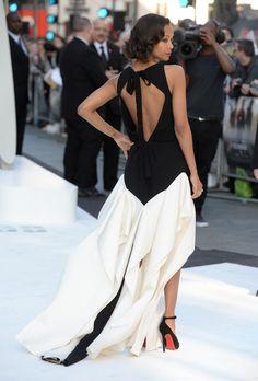 robe structurée Vionnet et escarpins Louboutin