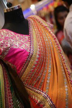 10 Stores To Buy Wedding Lehenga and Bridal Wear In Chandni Chowk! Indian Wedding Outfits, Pakistani Outfits, Indian Outfits, Indian Clothes, Indian Attire, Indian Ethnic Wear, Indian Style, Saris, Gota Patti Saree