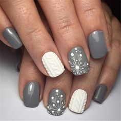 Snowflake nail designs or snowy Nail Designs look amazing. They can be decorated on Christmas Eve or New Year's Eve or on cloudy winter days. Snowflake nail designs are not just a winter choice. Girls in hot season wear snowflake nail designs will gi White Nail Designs, Cool Nail Designs, Acrylic Nail Designs, Holiday Nails, Christmas Nails, Christmas Tree, Christmas Glitter, French Nails, Nail Art Blanc