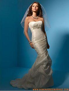 Robe de mariée sirène taffetas avec voile perles