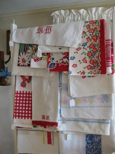 Vintage kitchen linens. I love the old prints!