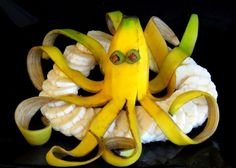 ItalyPaul - Art In Fruit & Vegetable Carving Lesso - Food Carving Ideas Vegetable Animals, Fruit Animals, Fruit Sculptures, Food Sculpture, Fruit Salad Decoration, Food Decoration, Kreative Snacks, Fruit Creations, Food Art For Kids